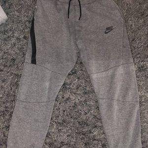 Boys XL gray jogger sweatpants